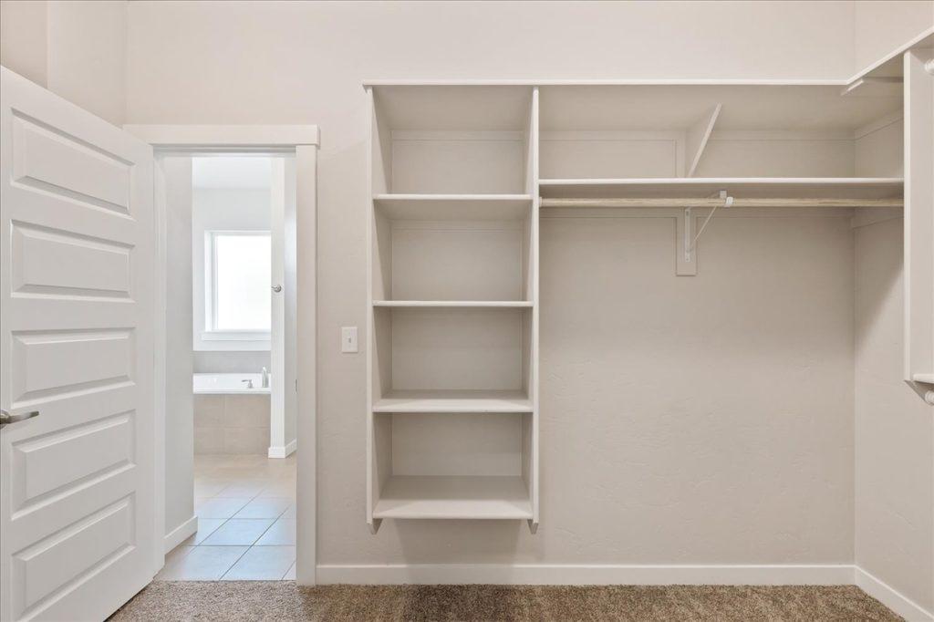 26-Master Closet