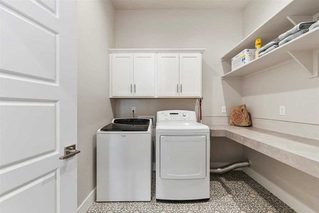 34-Laundry Room
