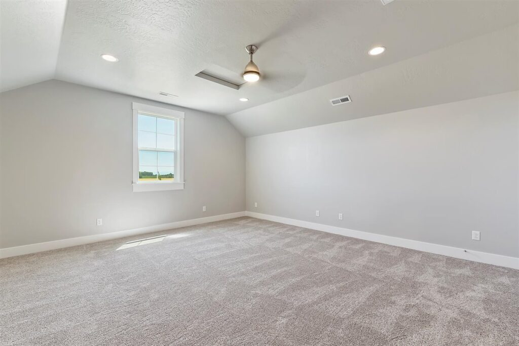 39-Bonus Room